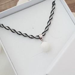 Collier torsade noire avec pendentif simple et perle contenant votre lait maternel C21