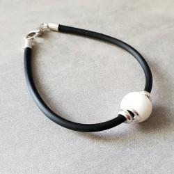 Bracelet noir avec perle contenant votre lait maternel