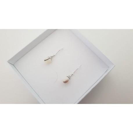 Boucle d'oreille pendante simple et perle contenant votre lait maternel et/ou mèches de cheveux